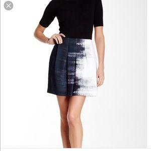 Vince dry brush paint skirt Size 10